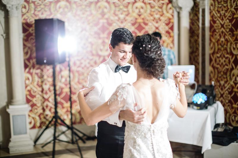 Hochzeitsfotograf Franken Irina Alexandru Tucherschloss 065 - hochzeitsfotografie, blog, bestof - Hochzeitsinspiration, Hochzeitsfotografie, Hochzeitsfotograf Nürnberg, friedaundgretchen, Fotograf, Brautpaar, Bräutigam, Babyfotograf Nürnberg