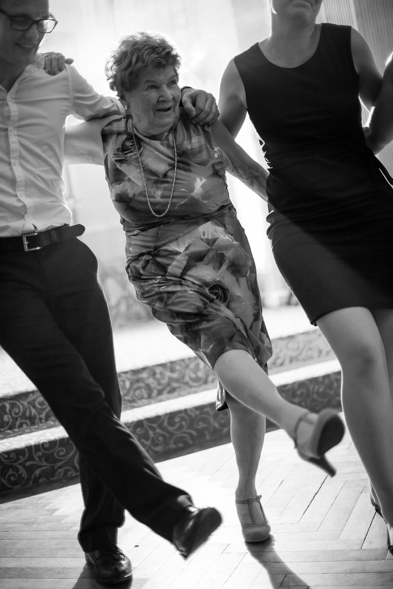 Hochzeitsfotograf Franken Micha Andi 050 - hochzeit, blog, bestof - Schloß Thurn, Nürnberg, Hochzeitsfotografie, Hochzeitsfotograf Nürnberg, Hochzeitsfotograf Franken, Hochzeitsfotograf, Hochzeitsfeier, Hochzeit, friedaundgretchen, Fotograf
