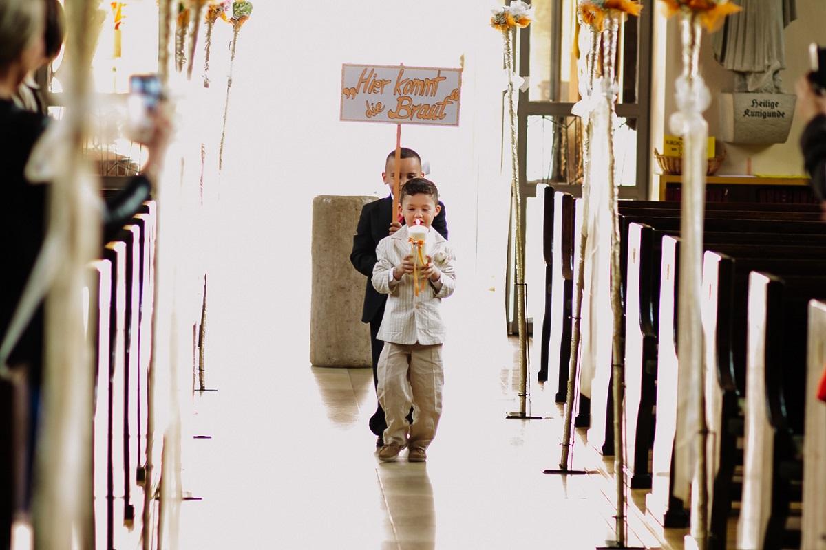 Kristina Kenny WEB 105 - hochzeit, blog, bestof - Hochzeitsfotograf Nürnberg, Hochzeitsfotograf Franken, Hochzeitsfotograf, Hochzeit, friedaundgretchen, Fränkische Schweiz, Fotograf, Erlangen, Dauphin Speed Event, Brautpaar, Bräutigam